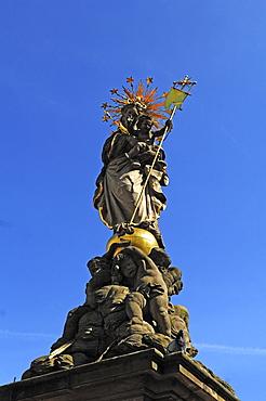 Virgin Mary with Jesus, Kornmarkt square, Heidelberg, Baden-Wuerttemberg, Germany, Europe
