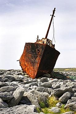 Shipwreck Plassy, since 1960, Inisheer island, County Galway, Republic of Ireland, Europe