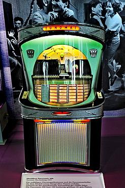 Jukebox, Phonoramic 200 from Tonomat, 1957, 50's exhibition, Deutsches Museum, Munich, Bavaria, Germany, Europe