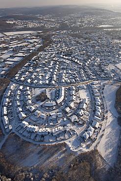 Aerial view, Albertweg settlement, ring settlement along the contour lines, Neheim, Arnsberg, Sauerland area, North Rhine-Westphalia, Germany, Europe
