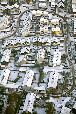 Aerial view, lack of winter maintenance in residential area, snow, Am Schichtmeister, Annen, Witten, Ruhr Area, North Rhine-Westphalia, Germany, Europe