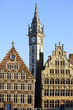 Houses on the river Leie, tower of the Postgebouw former post office building, Metselaarshuis, old town, Ghent, East Flanders, Belgium, Europe