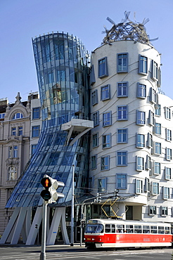 Dancing House or Ginger and Fred, by Frank Gehry, Prague, Bohemia, Czech Republic, Europe