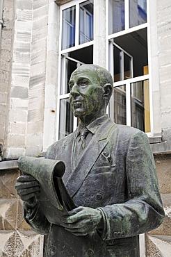 Statue of writer Gerardo Diego, poetry foundation, Santander, Cantabria, Spain, Europe