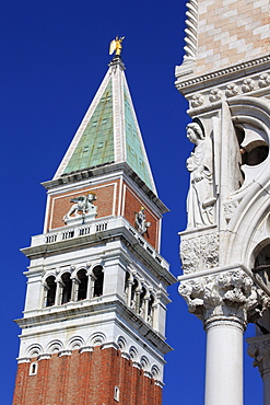 Campanile of the Basilica San Marco and Angel of Freedom at the Doge's Palace, Piazza San Marco or St. Mark's Square, Venice, Veneto, Italy, Europe