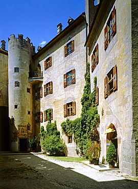 Courtyard, Bruneck castle, a former episcopal castle, Puster Valley, South Tyrol, Italy, Europe