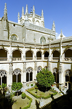 Cloister, San Juan de los Reyes, Toledo, Castile-La Mancha, Spain, Europe