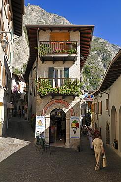 Historic town of Limone sul Garda, Lake Garda, Lombardia, Italy, Europe