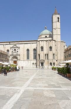 Church of San Francesco, seen from Piazza del Popolo, Ascoli Piceno, Marches, Italy, Europe