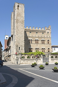Medieval Twin Towers, Torri Gemelle, and Palazzo Merli, 1927 - 1929, neogothic, Piazza Sant'Agostino, Ascoli Piceno, Marches, Italy, Europe