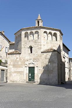 Battistero di San Giovanni, St John's baptistry, Piazza Arringo, Ascoli Piceno, Marches, Italy, Europe