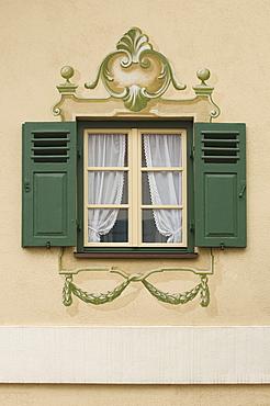 Wall paintings, decorated windows with shutters, trompe l'oeil window frieze, Aschau, Chiemgau, Upper Bavaria, Germany, Europe