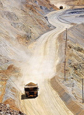 Special trucks, Bingham Canyon Mine or Kennecott Copper Mine, largest man-made open pit on earth, Oquirrh Mountains, Salt Lake City, Utah, USA, America