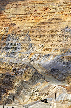 Copper deposits, Bingham Canyon Mine or Kennecott Copper Mine, largest man-made open pit on earth, Oquirrh Mountains, Salt Lake City, Utah, USA, America