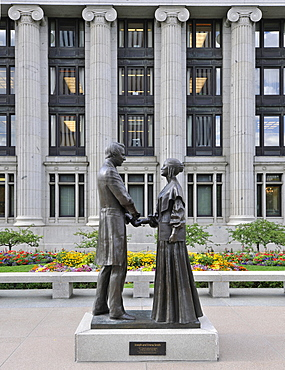 Monument to Joseph and Emma Smith, in front of the Joseph Smith Memorial Building, Temple of The Church of Jesus Christ of Latter-day Saints, Mormon Church, Temple Square, Salt Lake City, Utah, Southwest, USA, North America