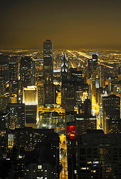 Night shot, Trump Tower, Wrigley Building, Aon Center, Two Prudential Plaza, Chicago, Illinois, United States of America, USA