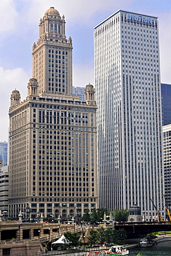 Promenade, Chicago River Walk, 35 East Wacker Drive, formerly North American Life Insurance Building, Unitrin Building, Loop, Chicago, Illinois, United States of America, USA