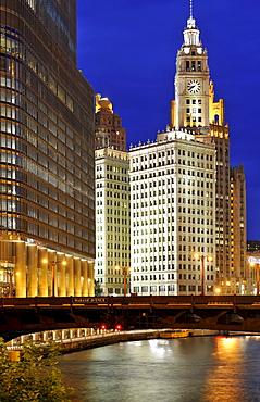 Night shot, IRV Kupcinet Bridge, River Loop, Trump International Tower, Wrigley Building, Tribune Tower, Chicago, Illinois, United States of America, USA, North America