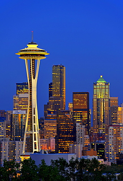 Night shot with the skyline of the Financial District of Seattle, Space Needle, Columbia Center, formerly known as Bank of America Tower, Washington Mutual Tower, Municipal Tower, formerly Key Tower, Washington, United States of America, USA