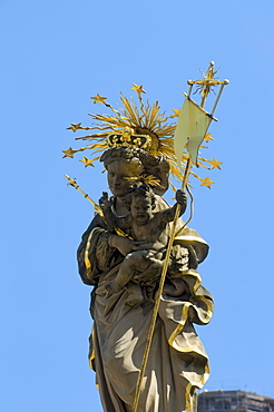 Madonna Fountain Kornmarkt square, Heidelberg, Neckar, Palatinate, Baden-Wuerttemberg, Germany, Europe