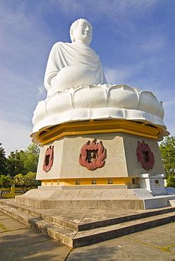 Buddha statue at Long Son Pagoda, Nha Trang, Vietnam, Asia