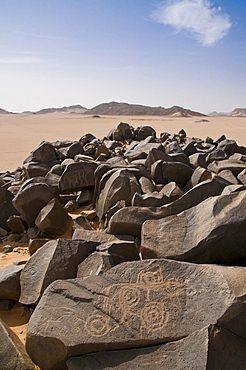 Rock carvings in Tadrat desert at Tasset, Algeria, Africa