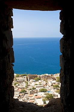 View through loop-hole to city and sea, Ciudad Velha, Cidade Velha, island of Santiago, Cabo Verde, Africa