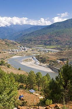 Mo Chhu and Pho Chhu river flowing through Punakha, Bhutan, Asia