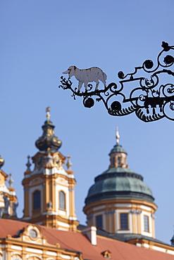 Inn sign of the White Lamb, Stift Melk Abbey in back, Melk, Wachau, Mostviertel district, Lower Austria, Austria, Europe