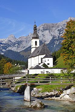 Parish Church of St. Sebastian, Ramsaukirche, Ramsauer Ache, Malerwinkel, in front of the Reiter Alpe mountains, Ramsau near Berchtesgaden, Berchtesgadener Land, Upper Bavaria, Bavaria, Germany, Europe