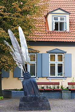 Ink bottle sculture in front of Starptautiska rakstnieku un tulkotaju maja, International Writers and Translators House, Ratslaukums, Town Hall Square, Ventspils, Kurzeme, Latvia, Northern Europe