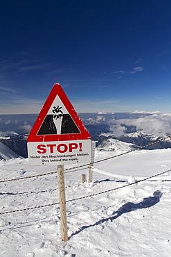 Warning sign, Jungfraujoch, Bernese Oberland, Canton of Bern, Switzerland, Europe
