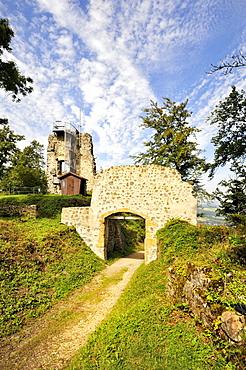 Portal and keep with viewing platform of the Ruine Hohenhewen ruins, Landkreis Konstanz county, Baden-Wuerttemberg, Germany, Europe