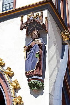Figure, facade decoration, Hauptmarkt square, Trier, Rhineland-Palatinate, Germany, Europe