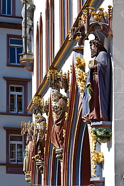 Figures, facade decoration, Steipe, former town hall, Hauptmarkt square, Trier, Rhineland-Palatinate, Germany, Europe