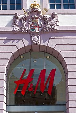 Hennes and Mauritz store, H & M, Hauptmarkt square, Trier, Rhineland-Palatinate, Germany, Europe