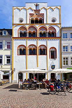 Dreikoenigenhaus building, residential house built in early Gothic style, Hauptmarkt square, Trier, Rhineland-Palatinate, Germany, Europe