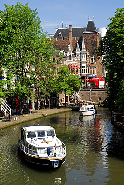Boats on a canal, Oudegracht, old town centre, Utrecht, Holland, Netherlands, Europe