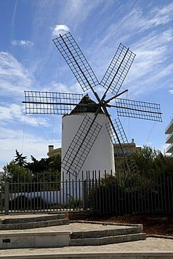 Windmill, Sa Punta des Moli, Sant Antoni de Portmany, Ibiza, Pityuses, Balearic Islands, Spain, Europe
