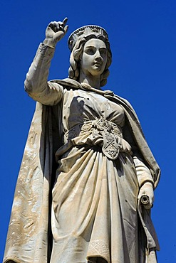 Statue of judge Eleonora d'Arborea, 14th century, in front of the town hall of Oristano, Oristano Province, Western Sardinia, Italy, Europe