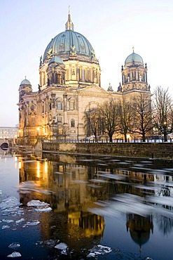 Berliner Dom, Berlin Cathedral, at dusk, Museumsinsel, Museum Island, Berlin, Germany, Europe