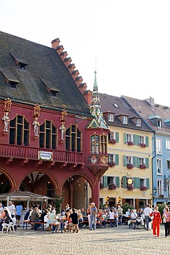 Muensterplatz square and Historisches Kaufhaus historic department store, Freiburg, Breisgau, Baden-Wuerttemberg, Germany, Europe