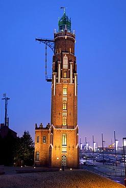 Simon-Loschen Lighthouse, Neuer Hafen Harbor, dusk, Bremerhaven, Bremen, Germany, Europe