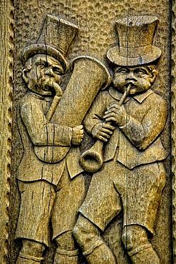 Carved musicians in Drosselgasse lane, Ruedesheim am Rhein, Middle Rhine Valley, UNESCO World Heritage Site, Rhineland-Palatinate, Germany, Europe