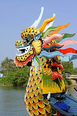 Dragon head on an ecursion boat on the Perfume River, Song Huong River, Huong Giang, near Hue, North Vietnam, Vietnam, Southeast Asia, Asia