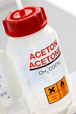 Acetone, Centre for Medical Biotechnology at the University of Duisburg-Essen, North Rhine-Westphalia, Germany, Europe