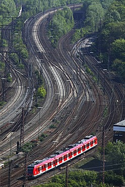 Suburban train on the track, railway, track network next to the Essen main railway station, Essen, North Rhine-Westphalia, Germany, Europe