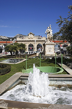 Fountain and monument in front of the Gare de Toulon, Var, Cote d'Azur, France, Europe
