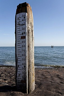 Post for measuring water level at high tide, Westkapelle, Walcheren, Zeeland, Netherlands, Benelux, Europe