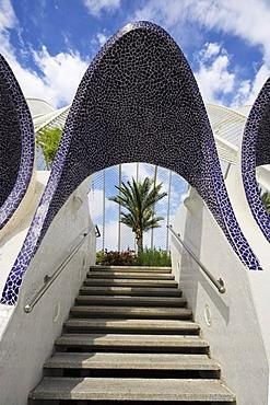 Entrance to the L'Umbracle palm garden, Ciudad de las Artes y las Ciencias City of Arts and Sciences, Valencia, Comunidad Valencia, Spain, Europe